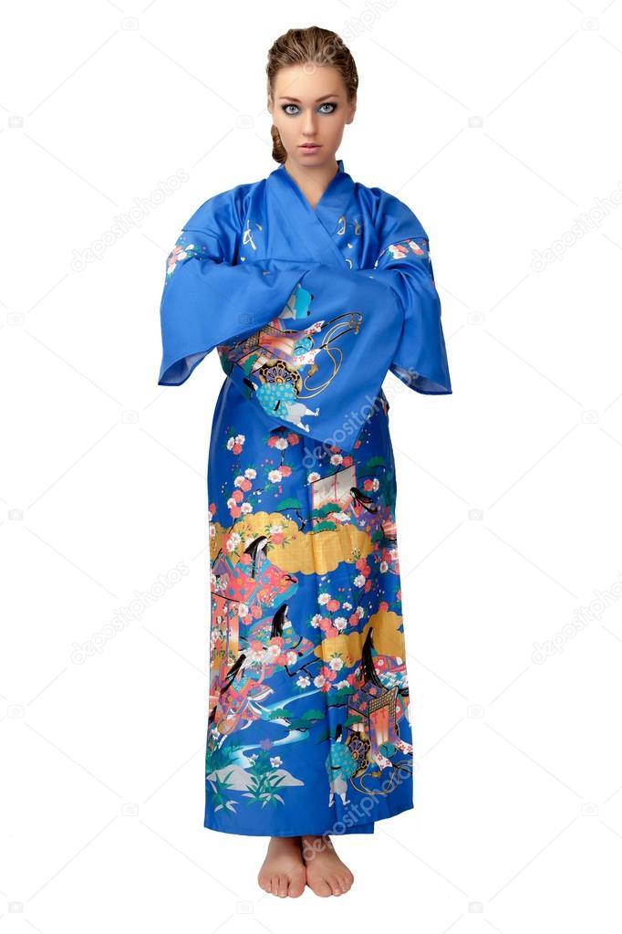 9858b9208 Joven mujer en kimono japonés aislado sobre fondo blanco — Fotos de Stock