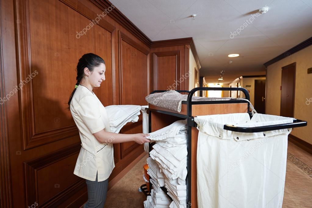 femme de chambre l 39 h tel photographie kalinovsky 57658725. Black Bedroom Furniture Sets. Home Design Ideas
