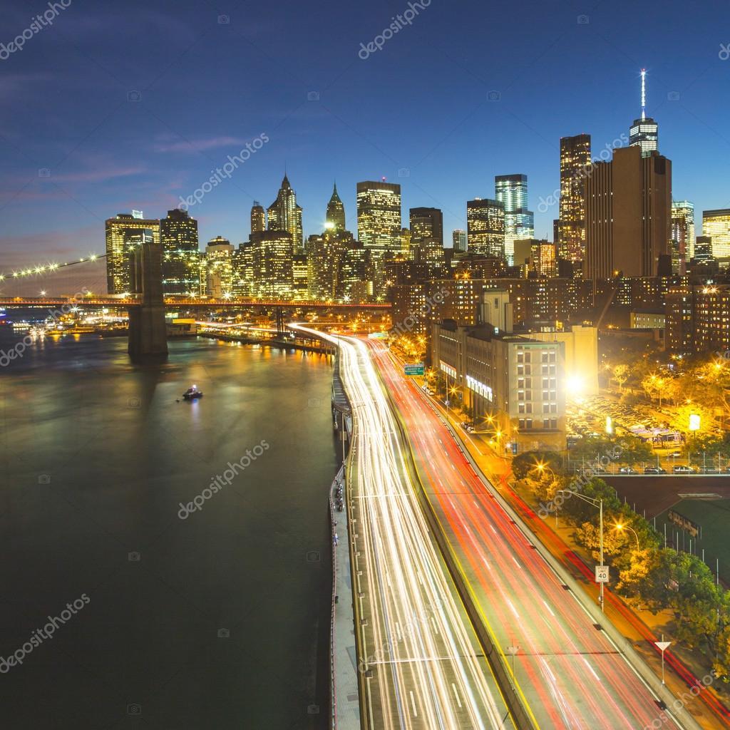 Skyline di new york di notte foto stock william87 for Foto new york notte