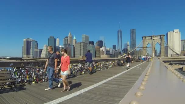 Pedestrian and cycle path on Brooklyn bridge, time-lapse