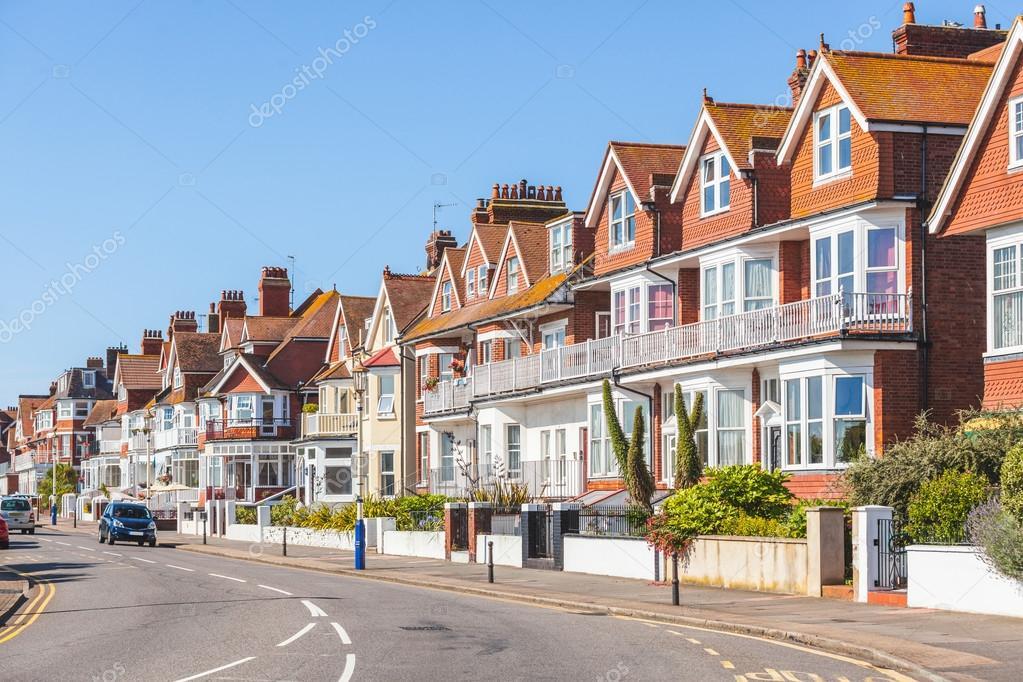 Rua na inglaterra com casas t picas fotografias de stock - Inglaterra en casa ...