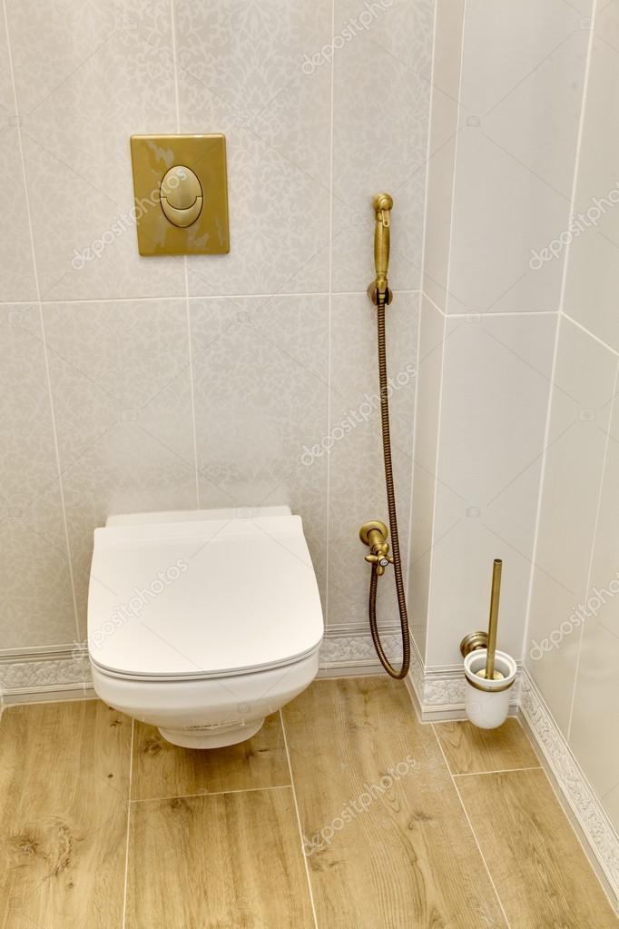 Toilettes modernes blanc — Photographie sveter © #107460096