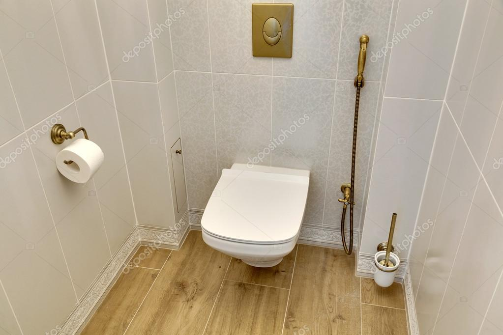 Toilettes modernes blanc — Photographie sveter © #107537188