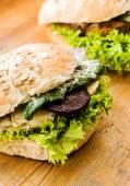 Leckere vegane Burger