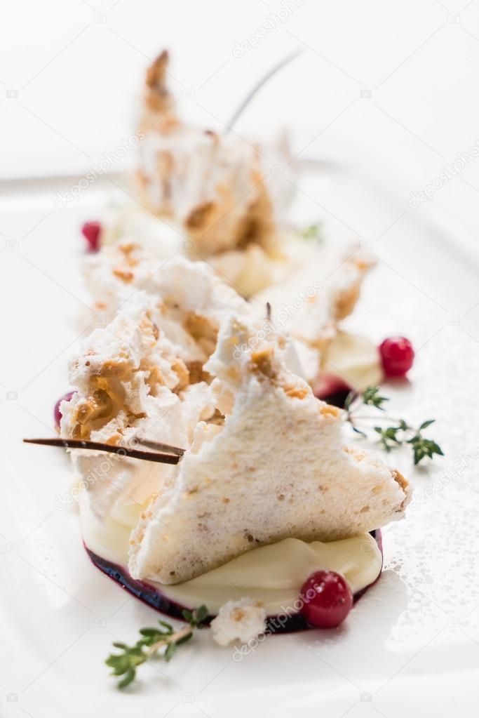 pavlova dessert on plate
