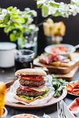 Chutné burger s hovězím
