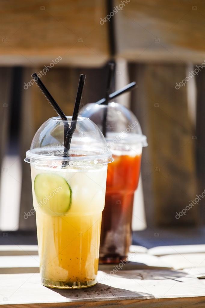 Sommer kalte Getränke — Stockfoto © Shebeko #77515868