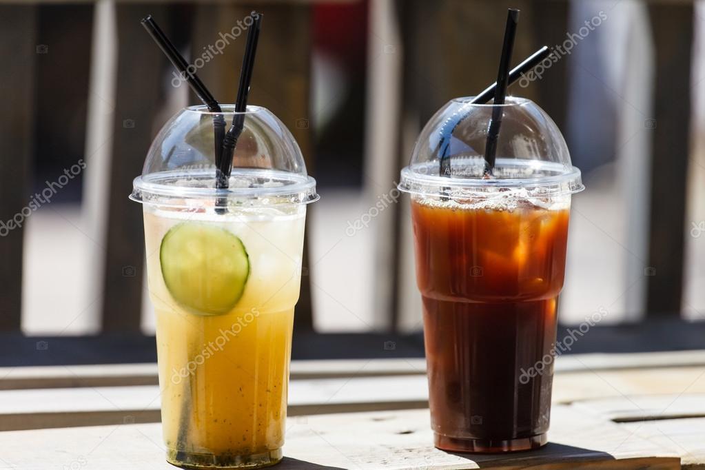 Sommer kalte Getränke — Stockfoto © Shebeko #80473290