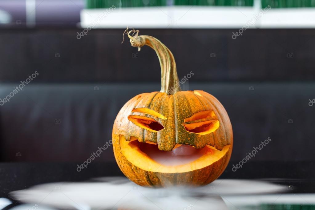 Zucche Di Halloween Terrificanti.Zucca Di Halloween Terrificante Foto Stock C Shebeko 81743730