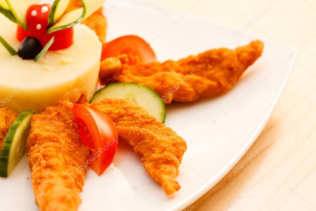 тушеные кусочки филе куриного рецепт для гарнира картофельного пюре