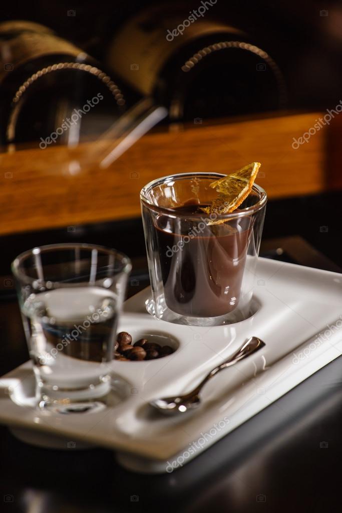 heiße schokolade mit wasser