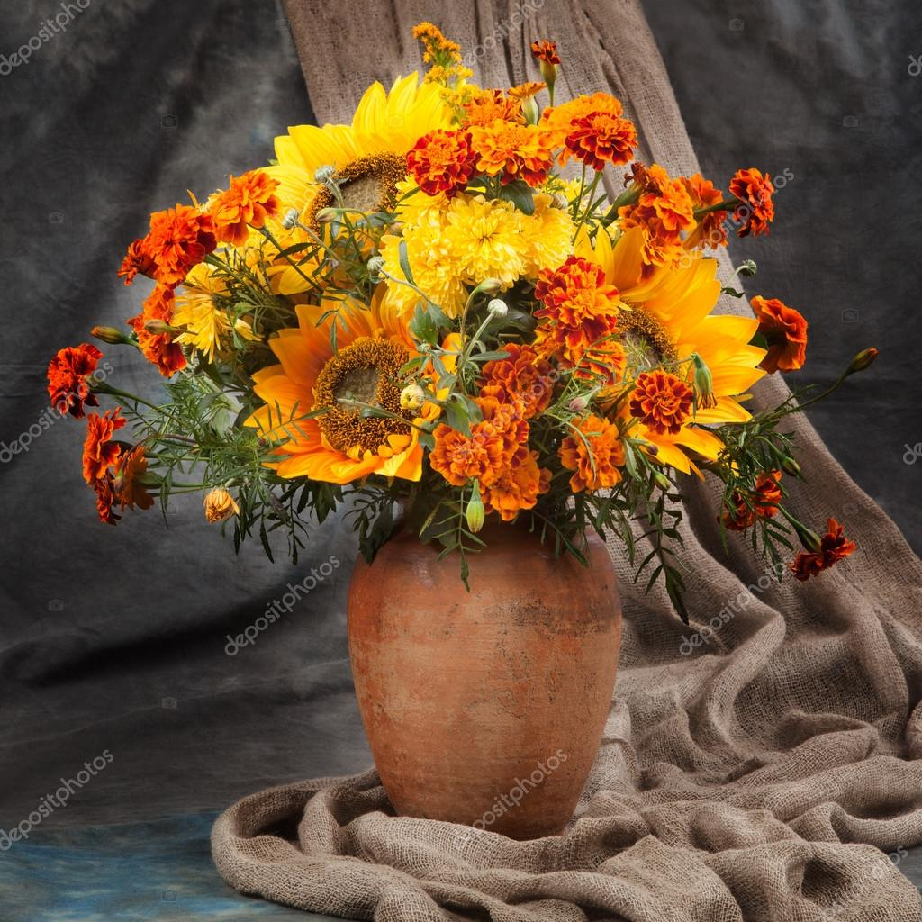 Still life. Autumn bouquet flower