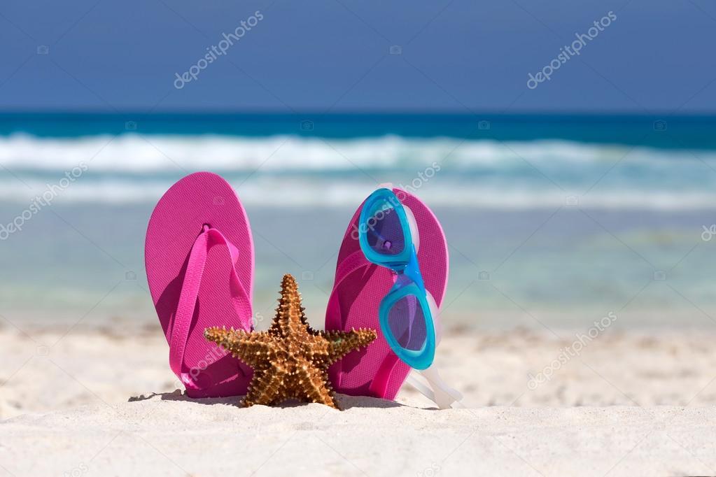 005c13f1c2d33 Pink flip flops