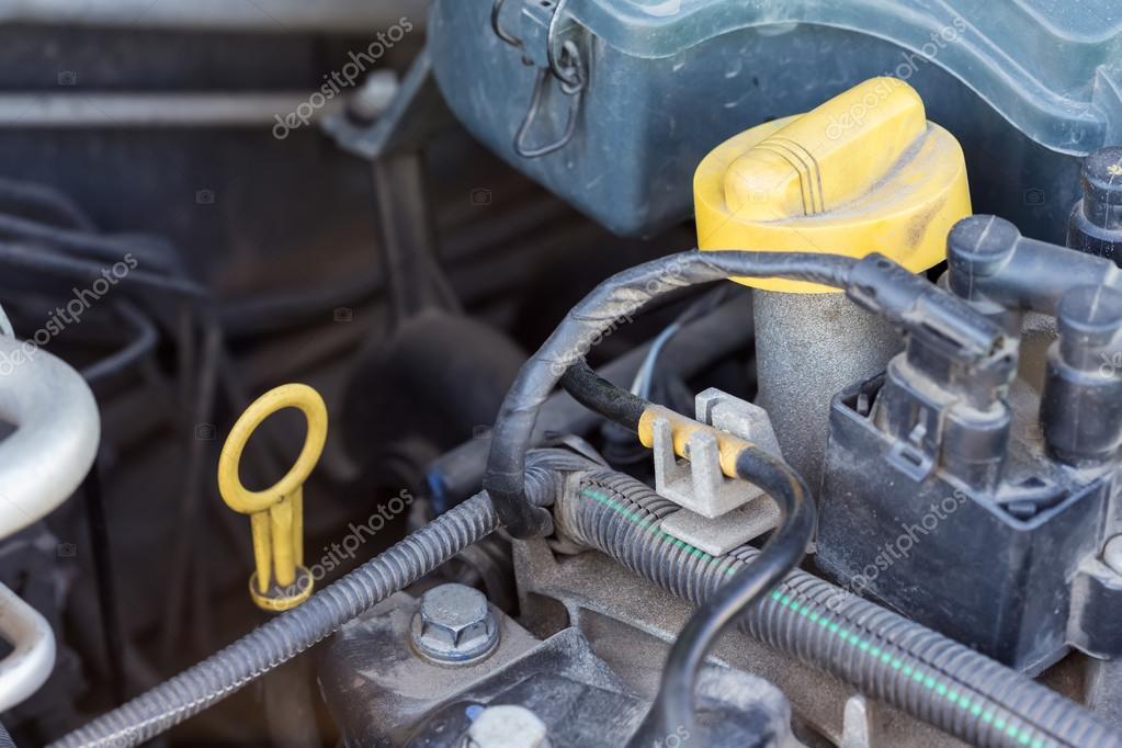 Teile von Auto-Motor — Stockfoto © pashapixel #75128027