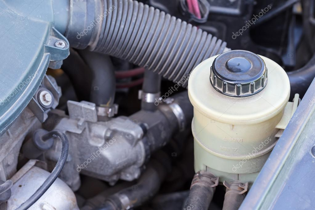 Teile von Auto-Motor — Stockfoto © pashapixel #75128037