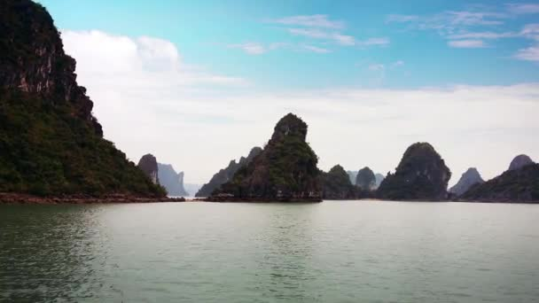 Halong Bay Vietnam uhd .