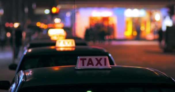 Řidič taxíku, kteří