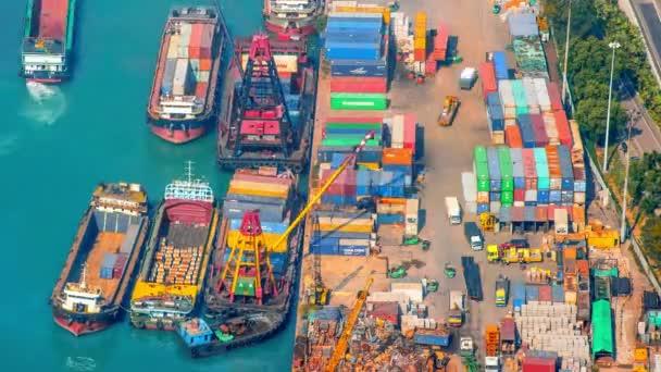 kontejnerového terminálu v Hong Kong harbour