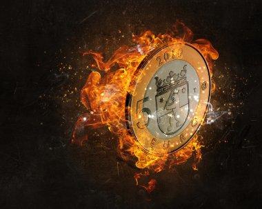 Yangında yanan euro para
