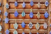 Selezione di amuleti marocchini tradizionali
