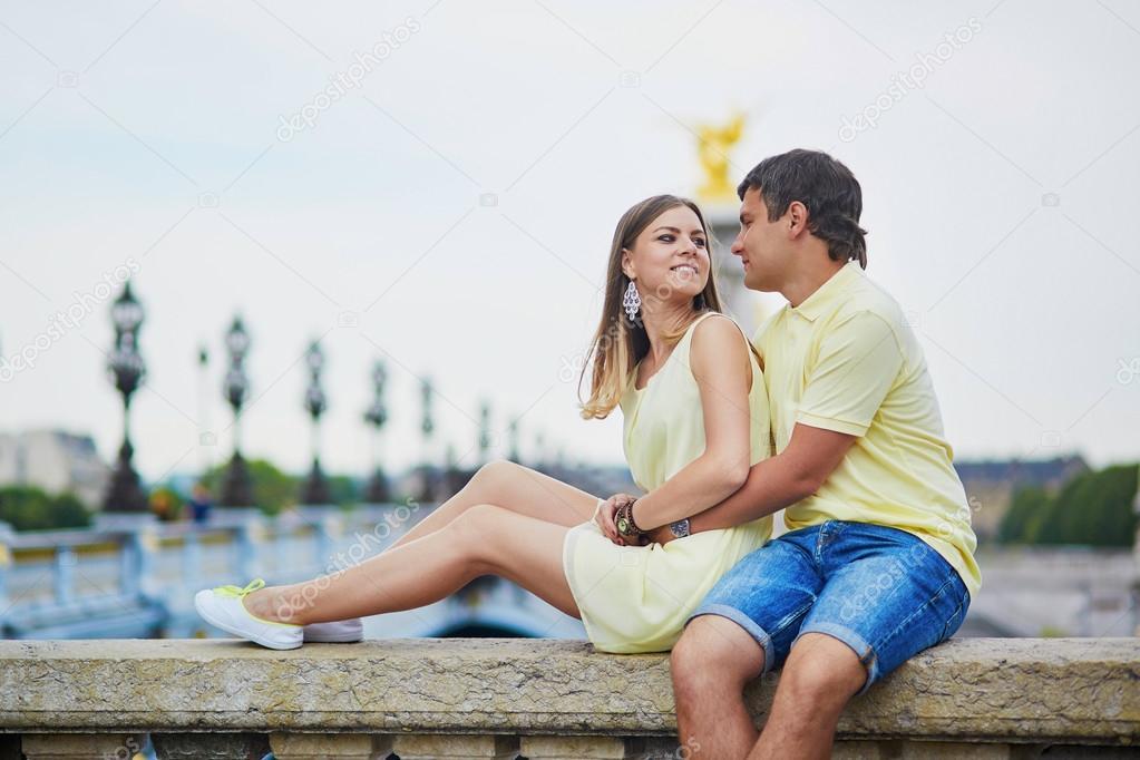 dating paris free