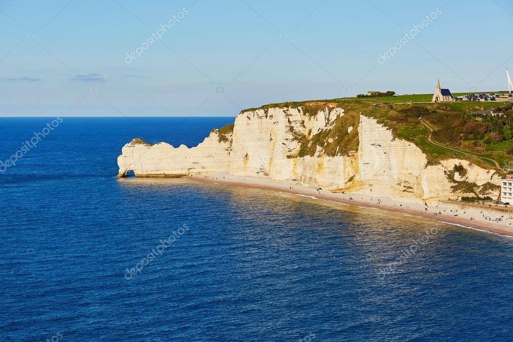 Фотообои Scenic view of Etretat village
