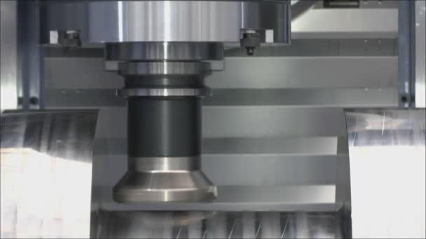 Mechanical processing a workpiece