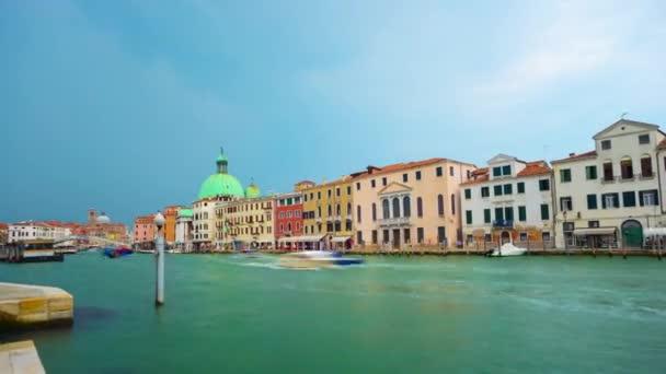 Benátky Itálie - cca července 2015: timelapse canal Grande v Benátkách