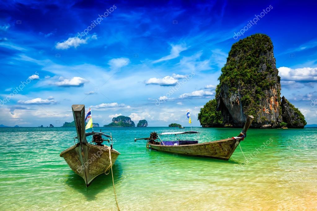 Фотообои Длинный хвост лодки на пляже, Таиланд