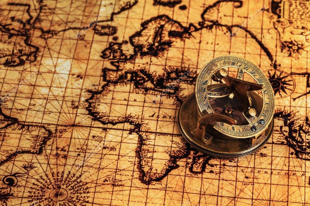 Priorità Bassa Di Concetto Di Navigazione Per Le Geografia   Vecchio Vintage  Retro Bussola Con Meridiana Sulla Mappa Del Mondo Antico Di Viaggio U2014 Foto  Di ...