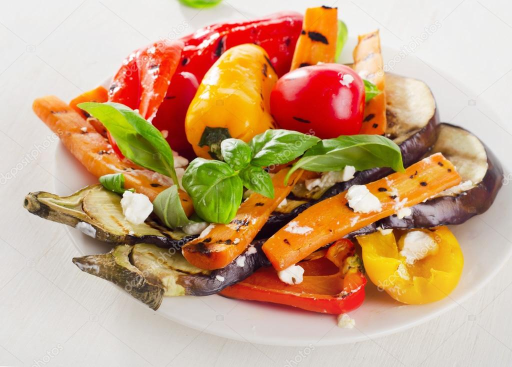 Verduras asadas con queso feta