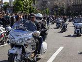 Ukrainische Biker übergeben in Kiew