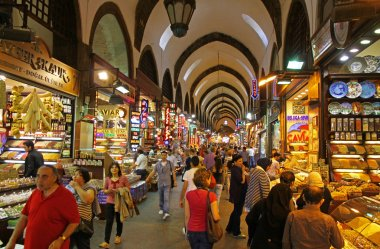 People shopping inside the Grand Bazar in Istanbul
