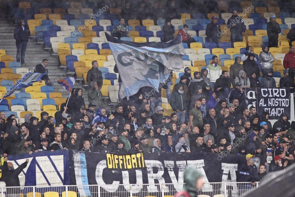 97f97a60cb SSC Napoli ultras (ultra supporters) — Fotografia de Stock Editorial ...