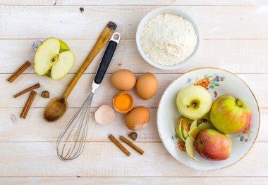 Food ingredients for apple pie