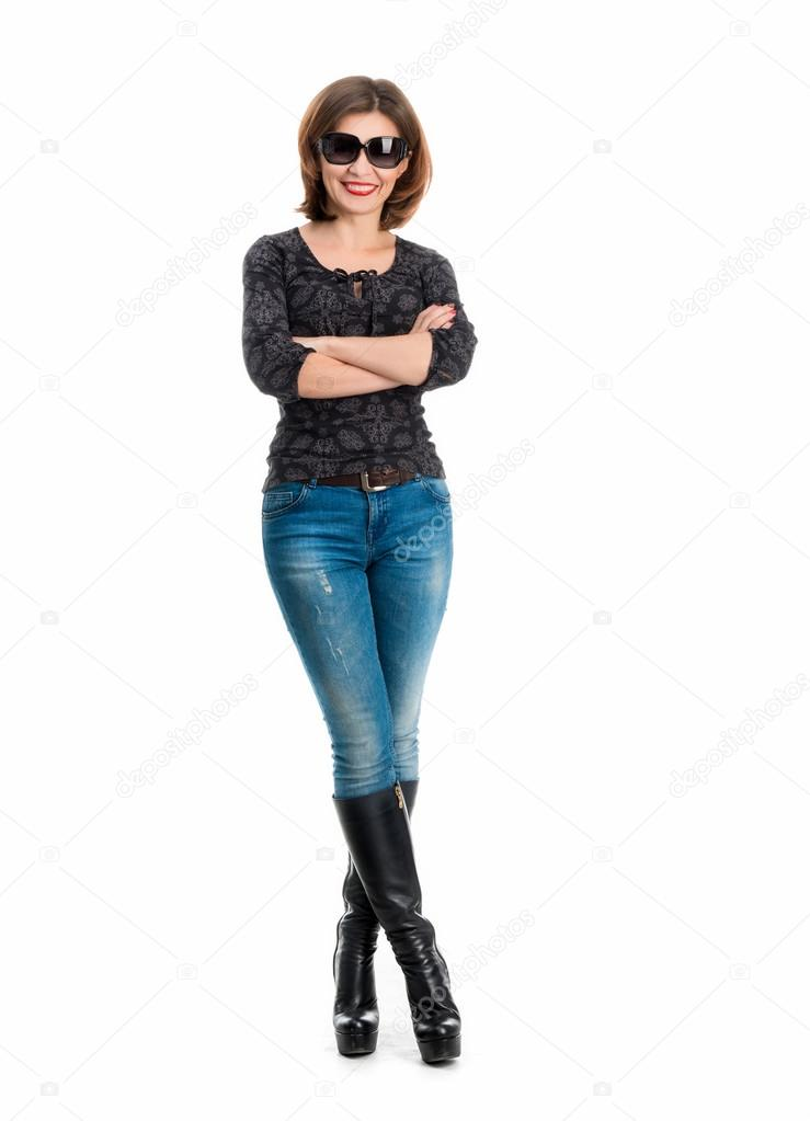 В очках на высоких каблуках