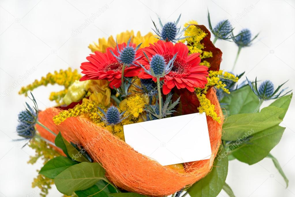 Flower bouquet with blank gift card — Stock Photo © mahout #88221452
