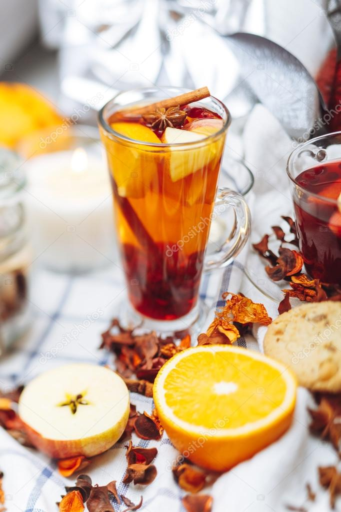 warme Getränke - Früchte Tee — Stockfoto © suslik83 #99344558
