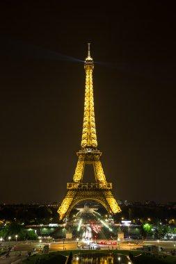 Eiffel Tower at nigh in Paris