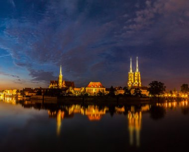 Wroclaw cityscape at dusk