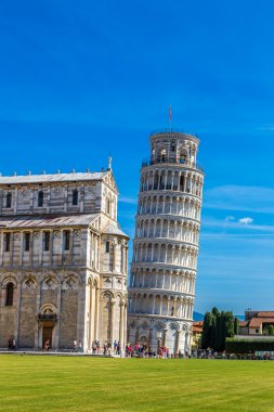 Leaning tower and Pisa cathedral