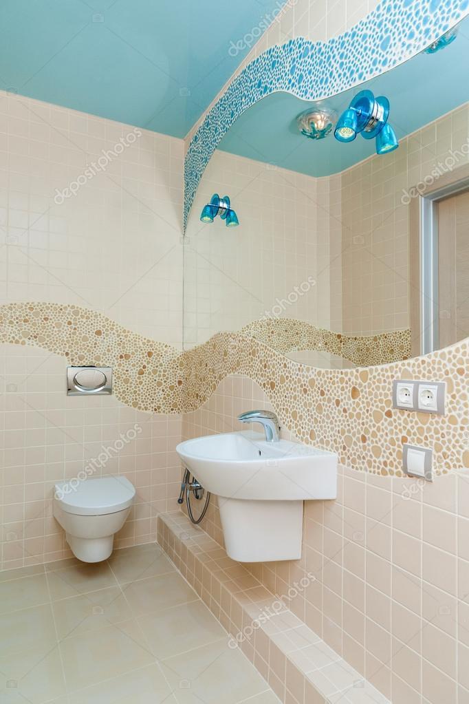 łazienka W Stylu Marynistycznym Zdjęcie Stockowe