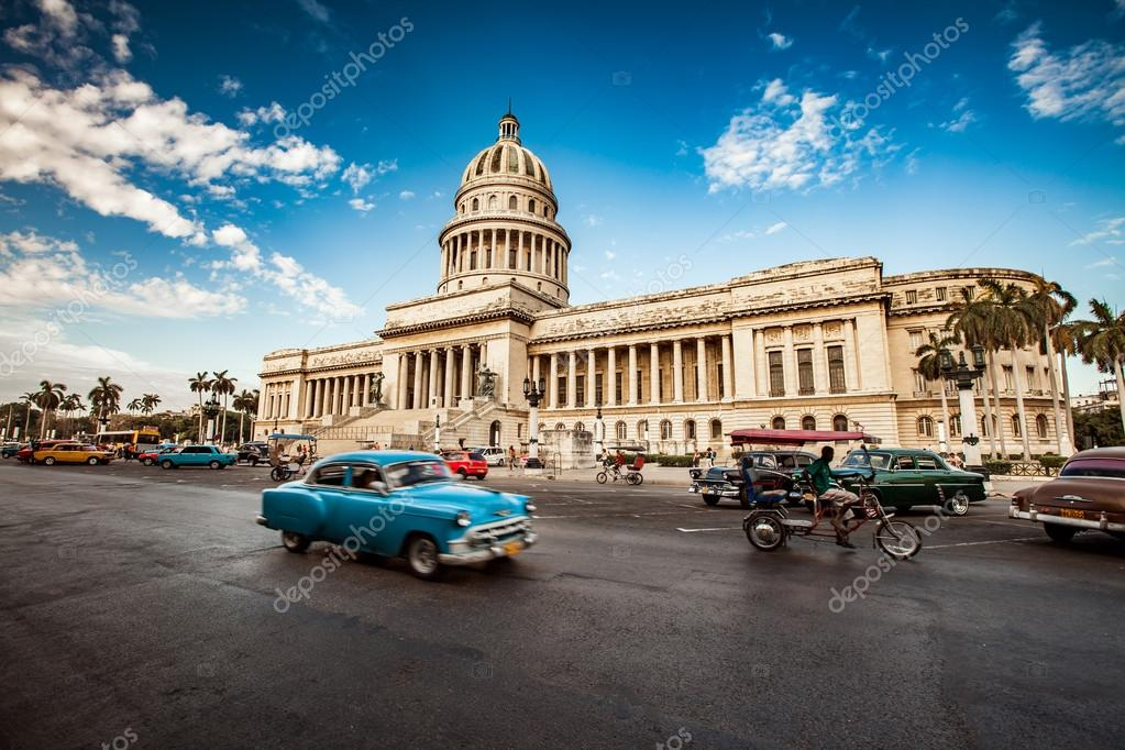 Old American cars rides in Havana – Stock Editorial Photo © cookelma ...