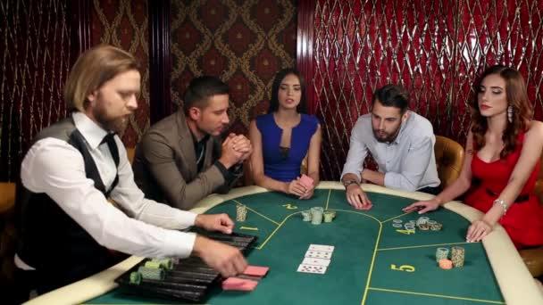 Žena Wins peníze v Casino