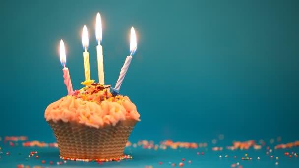 Cupcake-4 égő gyertyát, ünnepi