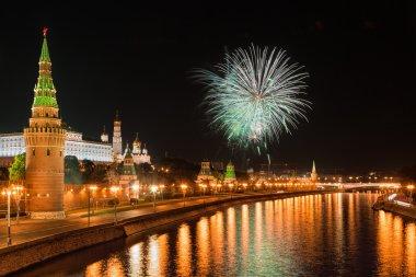 Moskova Kremlin üzerinde Festival havai fişek