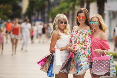 Shopping in the resort for women travelers