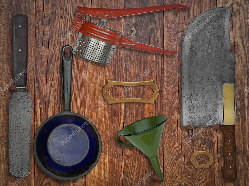 나무 벽에 빈티지 주방 용품 — 스톡 사진 © RedDaxLuma #60688957