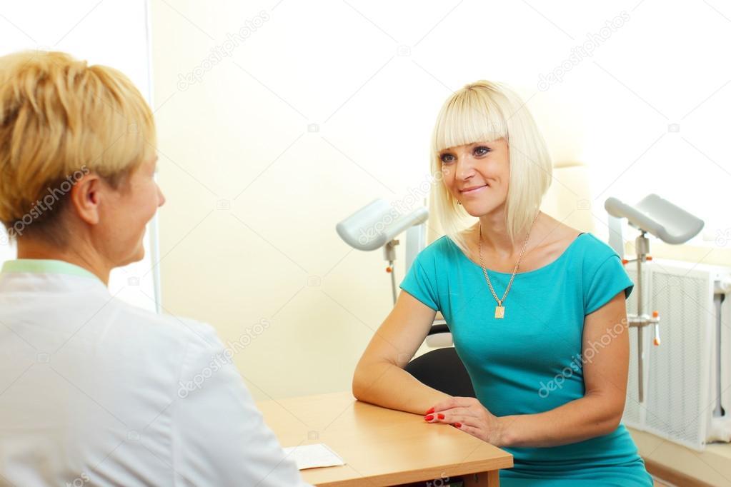 Смотреть гинекологический осмотр снятый на видео