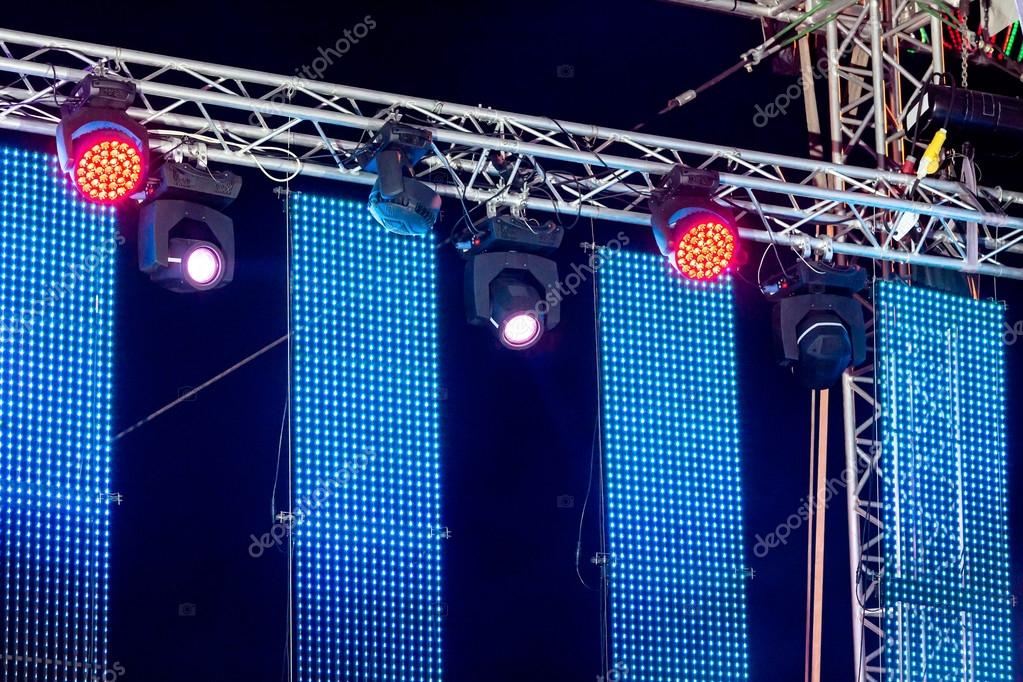 row of spotlights on stage rigging — Stock Photo © MrTwister